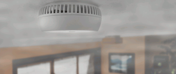 rookmelder aan plafond